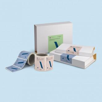 Buchverpackung mit Etikett personalisieren