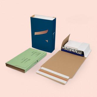 Universalversandverpackung für Bücher und Kleidung bedrucken