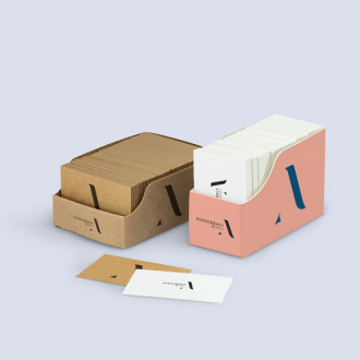 Visitenkartenhalter aus Karton individuell bedrucken
